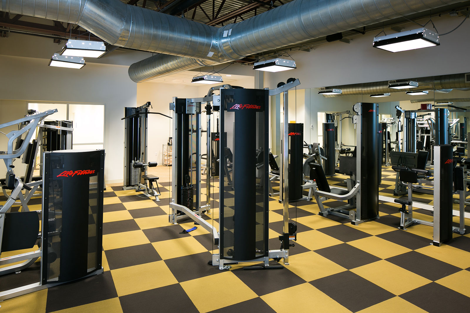 Headquarters--Pacesetter_interiors-fitness
