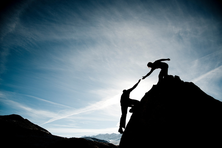 Enabling Smooth Leadership Transitions